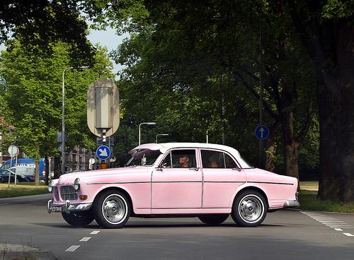 pink-volvo