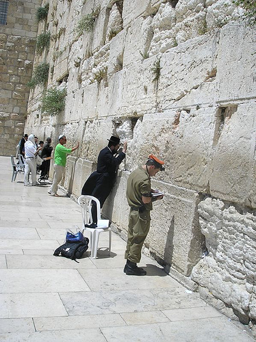 jews-praying-wailing-wall