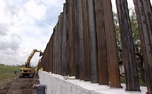 Gov T Border Fence Built In Wrong Location Traps